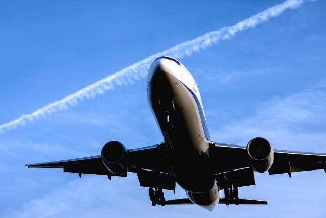 津波の速さは飛行機のような速さ