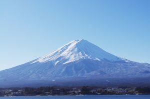 富士山の頭は白い