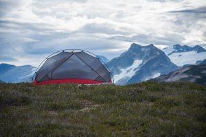山でのキャンプ