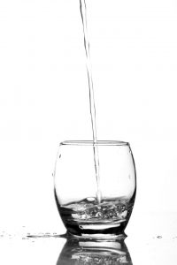 水は少しずつ