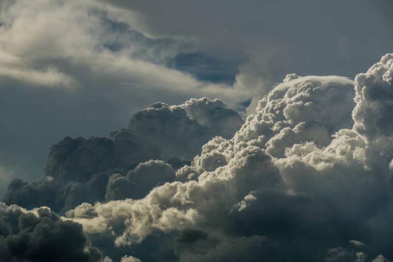 黒い入道雲
