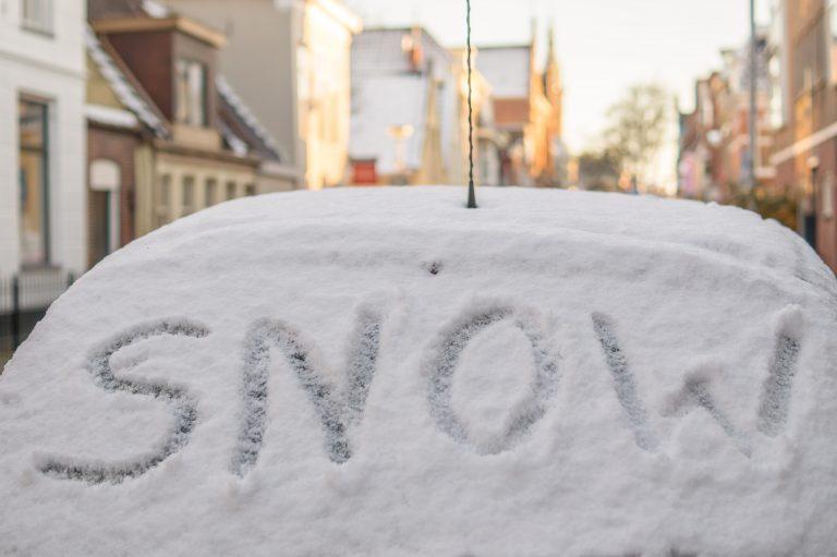 雪が積もってトラブルに