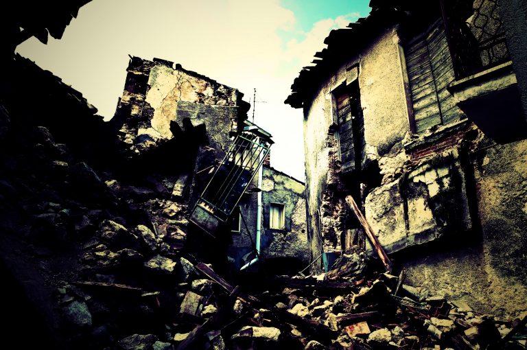 海外の大型地震が南海トラフに影響するのか??