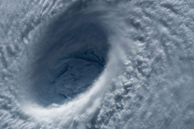 台風の目の大きさによる違い